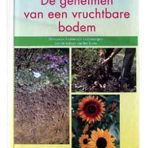 96205_00205_em_geheimen_van_een_vruchtbare_bodem_m.jpg